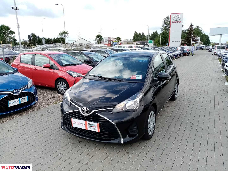 Toyota Yaris 2016 1.4 90 KM