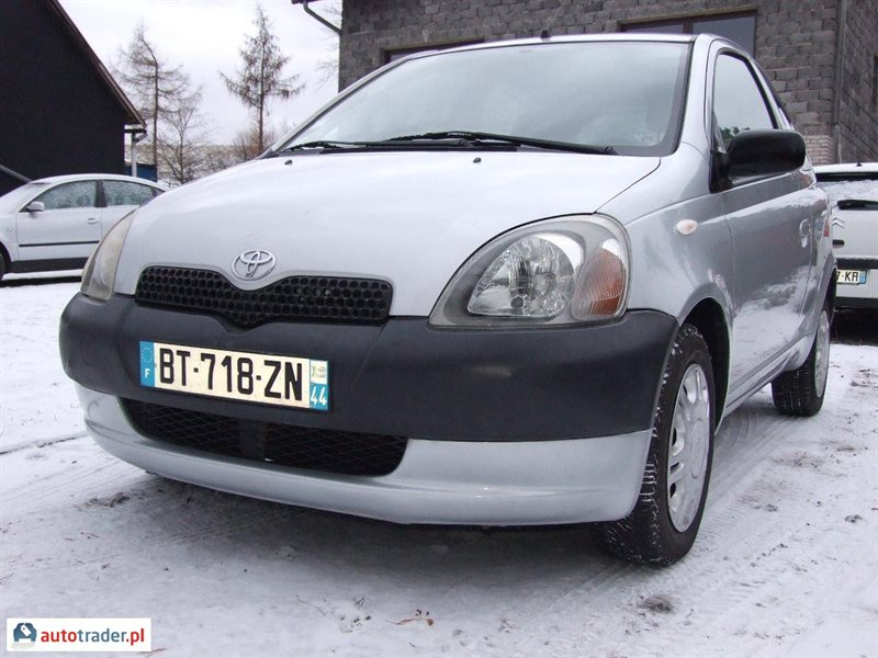 Toyota Yaris 2001 hatchback 1