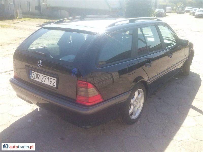 Mercedes 220 2001 2.2 125 KM