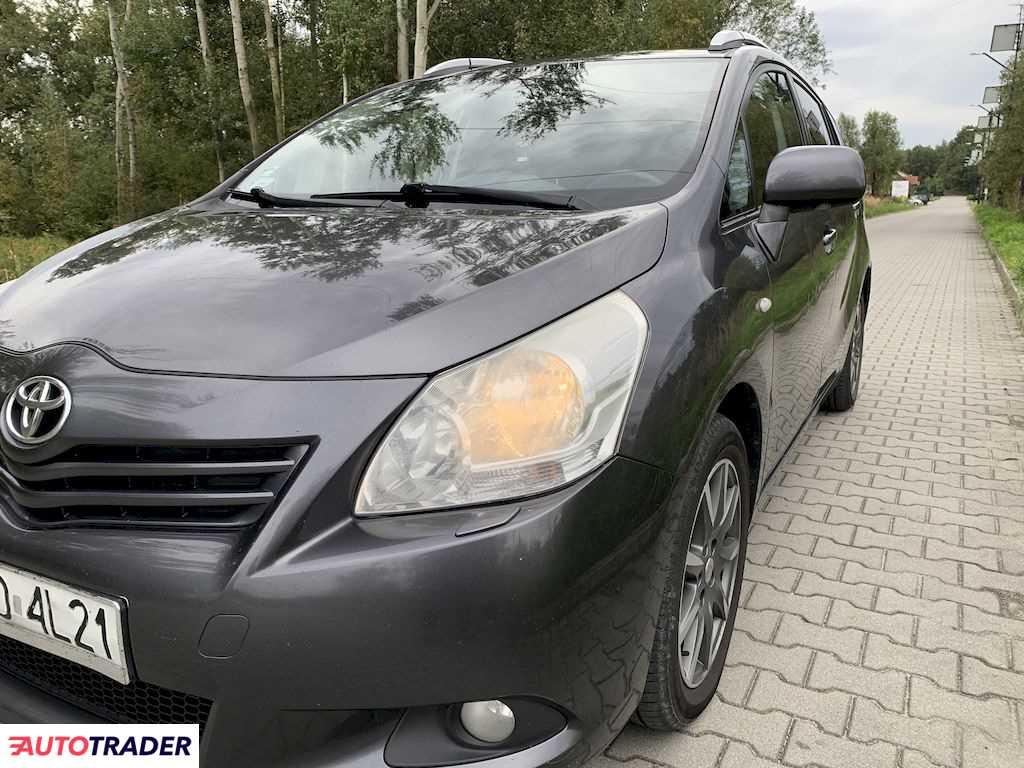 Toyota Verso 2010 2 126 KM