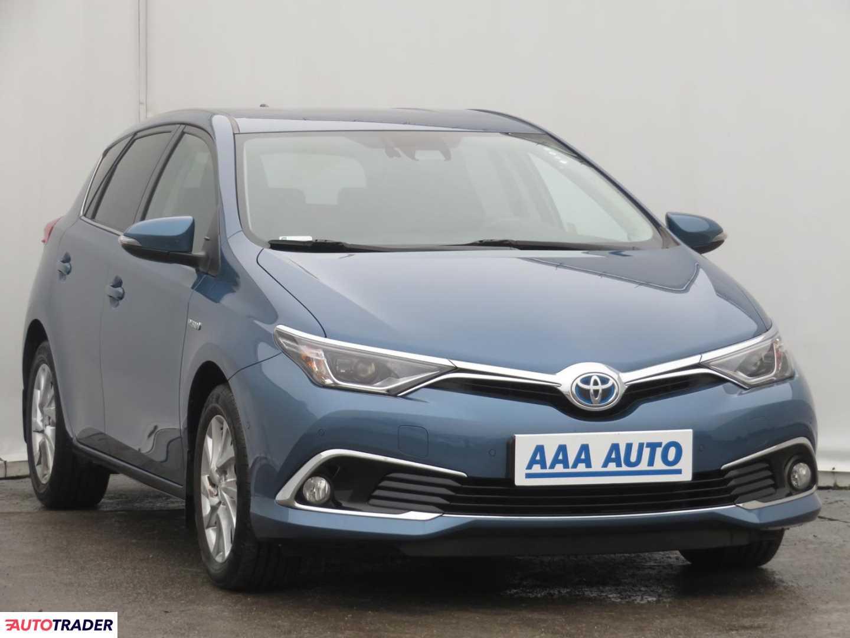 Toyota Auris 2015 1.8 134 KM