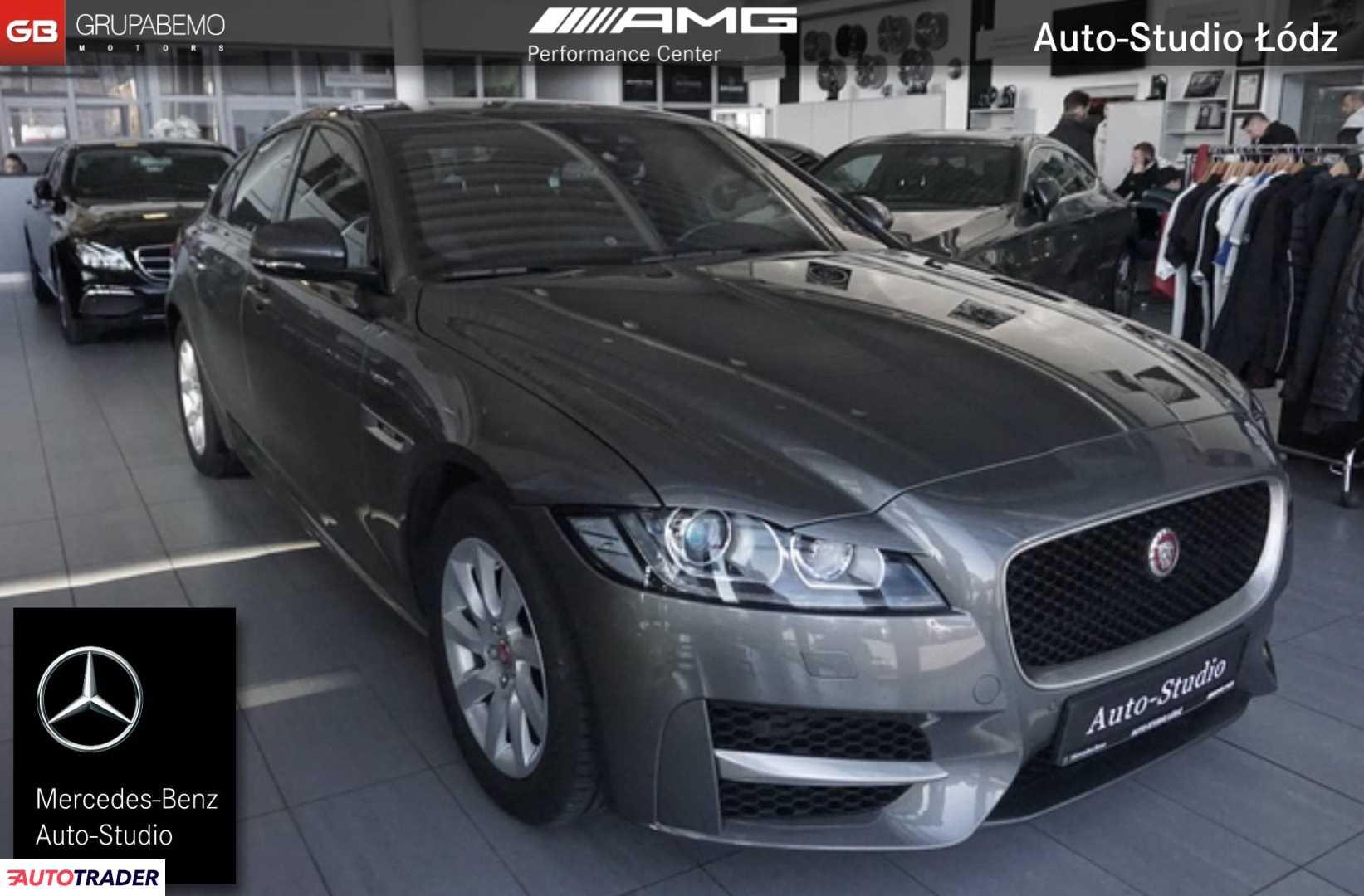 Jaguar XF 2017 2.0 163 KM