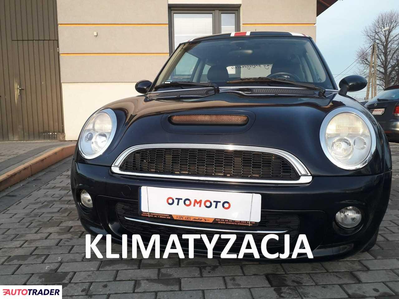 Mini Cooper 2003 1.6 115 KM