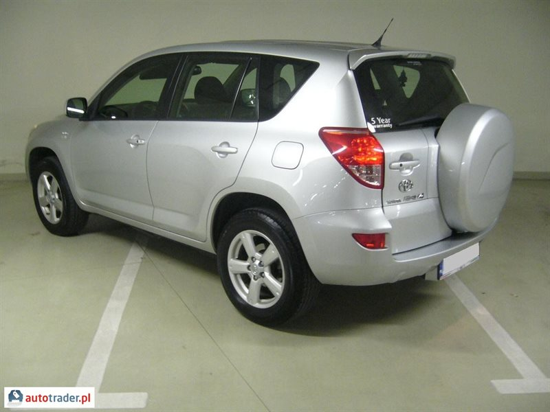 Toyota RAV 4 2006 2.2 136 KM