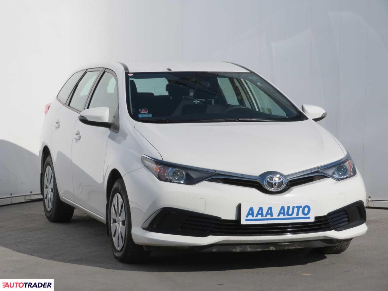 Toyota Auris 2017 1.6 130 KM