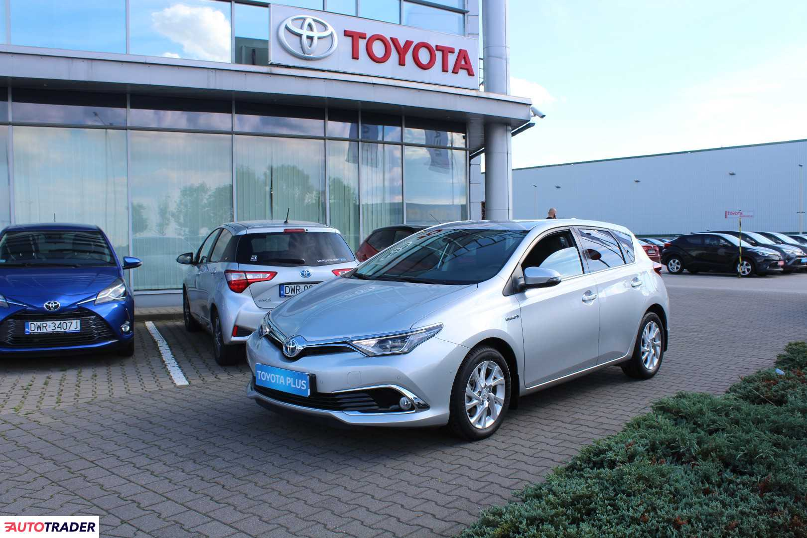 Toyota Auris 2018 1.8 99 KM