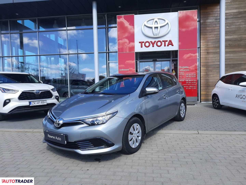 Toyota Auris 2017 1.3 99 KM