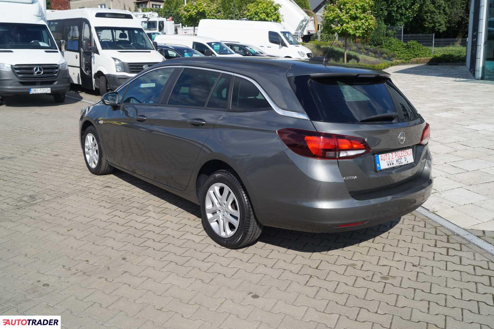 Opel Astra 2017 1.4 150 KM