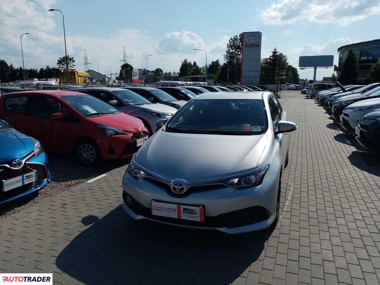 Toyota Auris 2016 1.3 100 KM