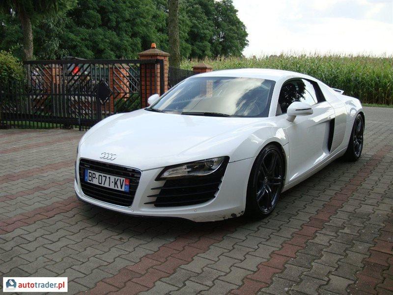 Audi R8 2008 4.2 420 KM