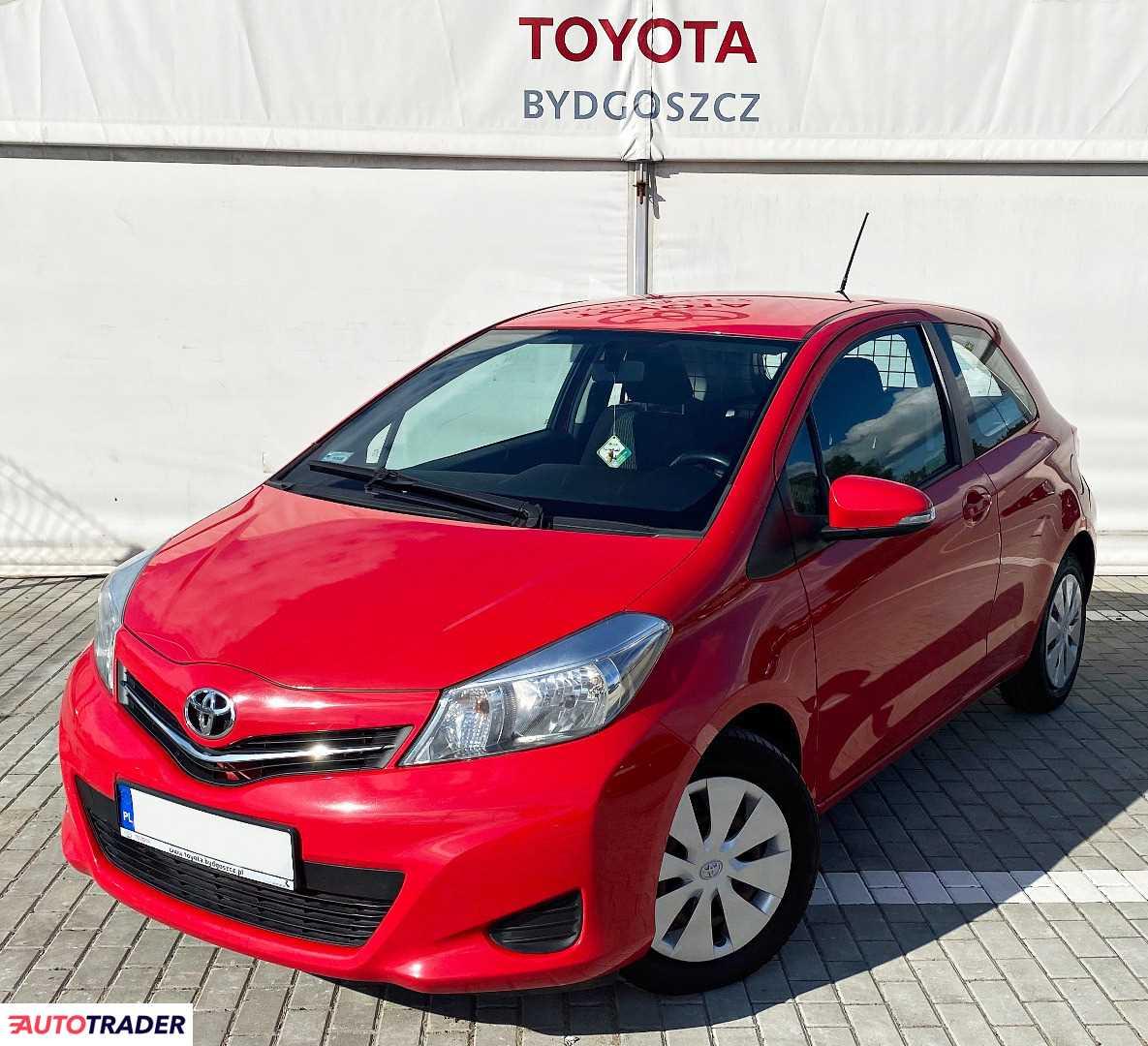 Toyota Yaris 2013 1.3 99 KM