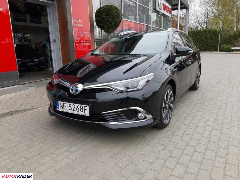 Toyota Auris 2016 1.8 99 KM