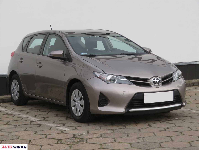 Toyota Auris 2014 1.3 97 KM