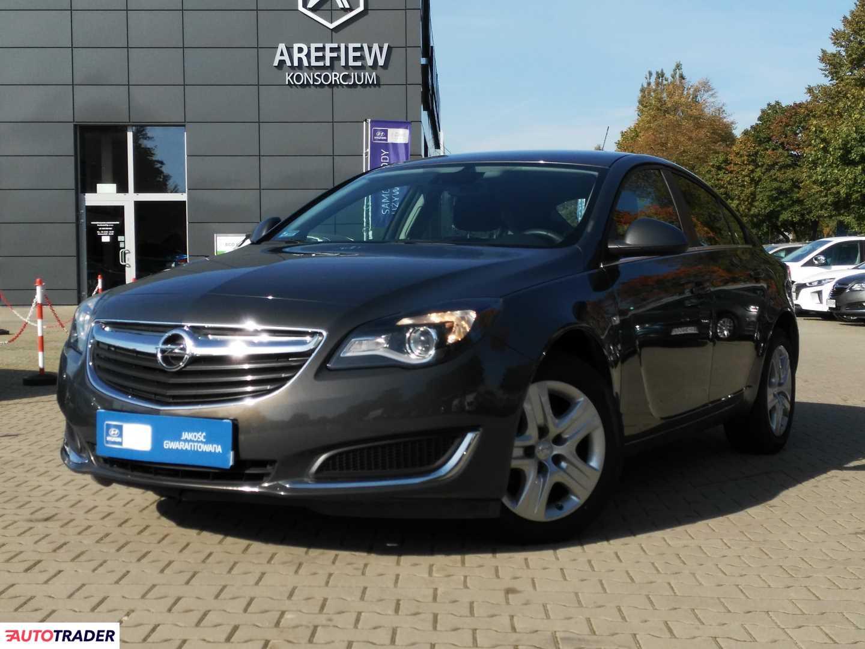 Opel Insignia 2015 2.0 130 KM