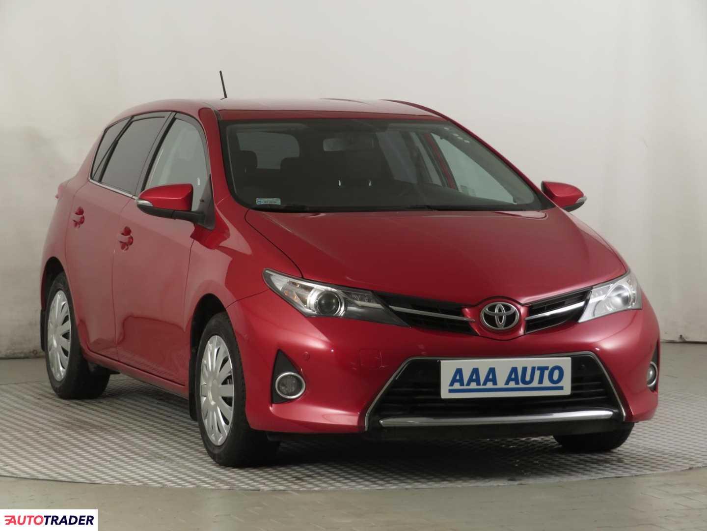 Toyota Auris 2013 1.6 130 KM