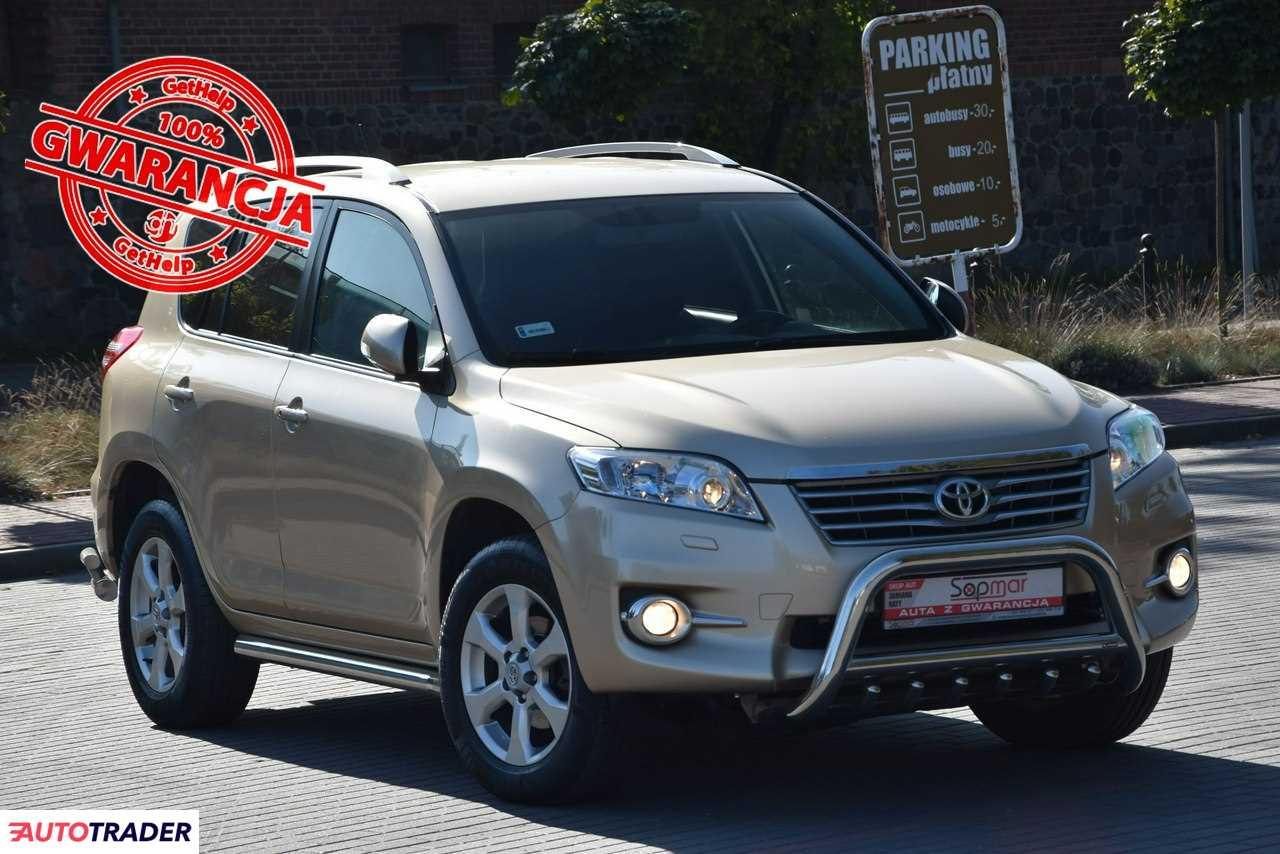 Toyota RAV 4 2010 2.2 150 KM