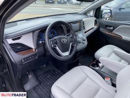 Toyota Sienna 2020 3.5 298 KM