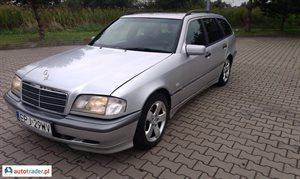 Mercedes 220 2.2 2000 r. - zobacz ofertę