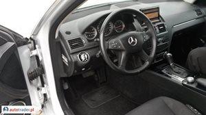 Mercedes 220 2008 2.2 170 KM