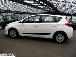 Toyota Auris 2014 1.4 101 KM