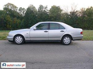 Mercedes 220 2.2 1999 r. - zobacz ofertę