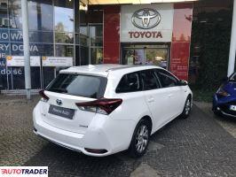 Toyota Auris 2018 1.8 136 KM
