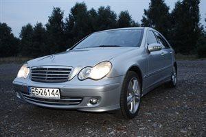 Mercedes 220 - zobacz ofertę