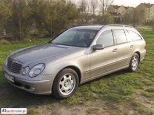 Mercedes 220 2.1 2004 r. - zobacz ofertę