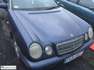 Mercedes 220 1995 2.2 95 KM