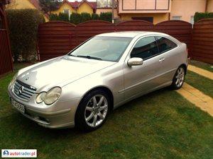 Mercedes 220 2003 2.2 143 KM