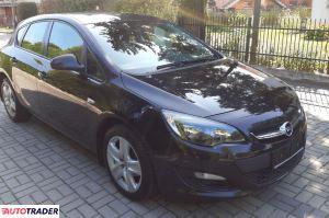 Opel Astra 2012 1.4 140 KM